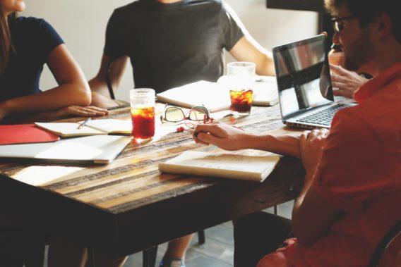 8 tips för att lyckas med grupparbeten